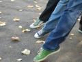 Танцоры на прогулке