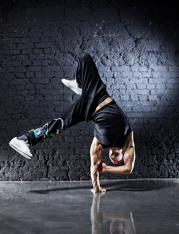 breakdancing-dancers-dancing-men-music